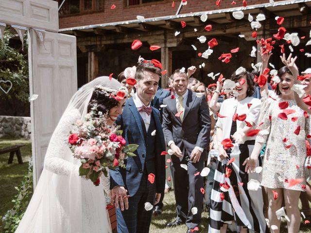 La boda de Javier y Lorena en Navaluenga, Ávila 137