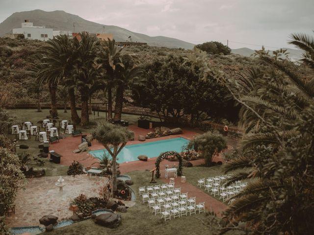 La boda de Javier y Diana en Galdar, Las Palmas 13
