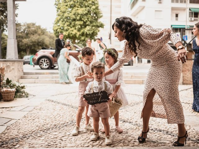 La boda de Raúl y Begoña en Murcia, Murcia 21