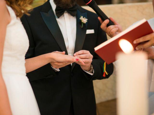 La boda de Carlos y Belén en Madrid, Madrid 31