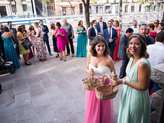 La boda de Carlos y Belén en Madrid, Madrid 32