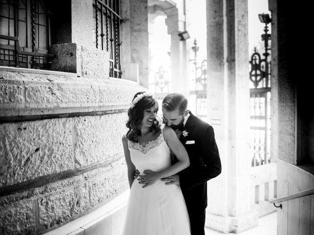 La boda de Carlos y Belén en Madrid, Madrid 34