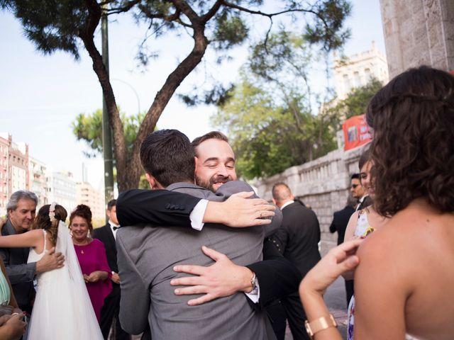 La boda de Carlos y Belén en Madrid, Madrid 35