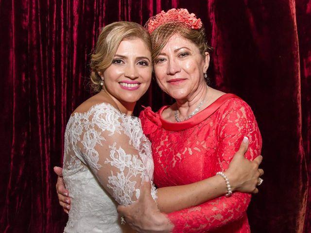 La boda de Jefri y Claudia en Pamplona, Navarra 43