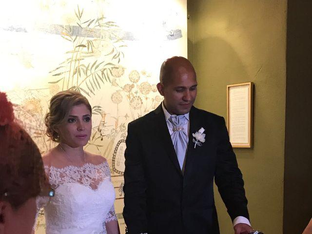 La boda de Jefri y Claudia en Pamplona, Navarra 15