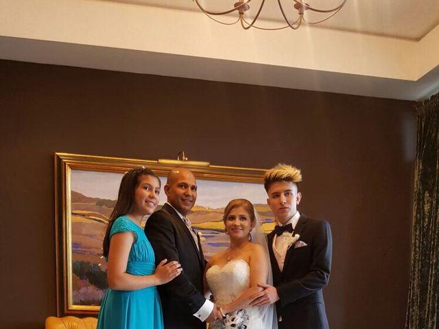 La boda de Jefri y Claudia en Pamplona, Navarra 34