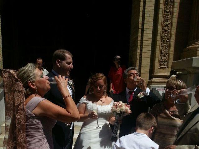 La boda de Maria Jose y Jose Luis en Sevilla, Sevilla 5