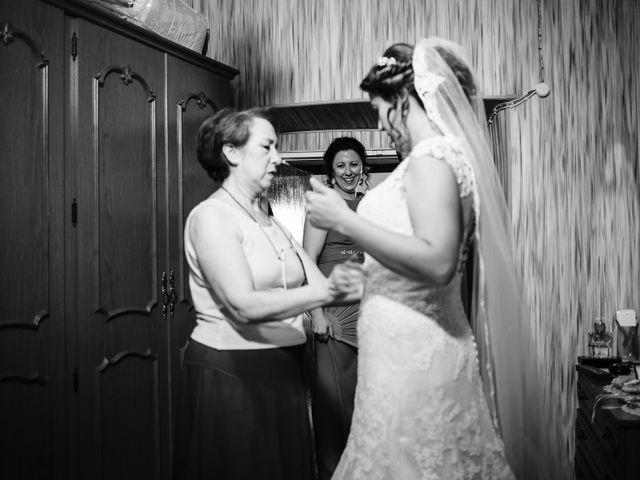 La boda de Oscar y Almudena en Valencia De Alcantara Ff.Cc., Cáceres 5
