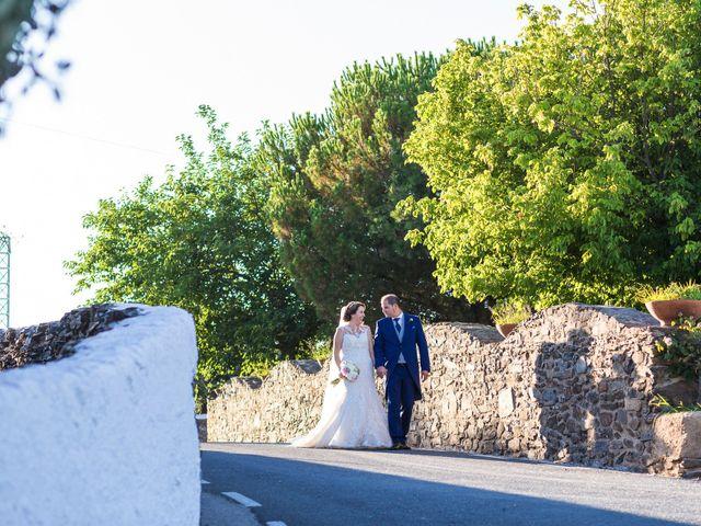 La boda de Oscar y Almudena en Valencia De Alcantara Ff.Cc., Cáceres 12
