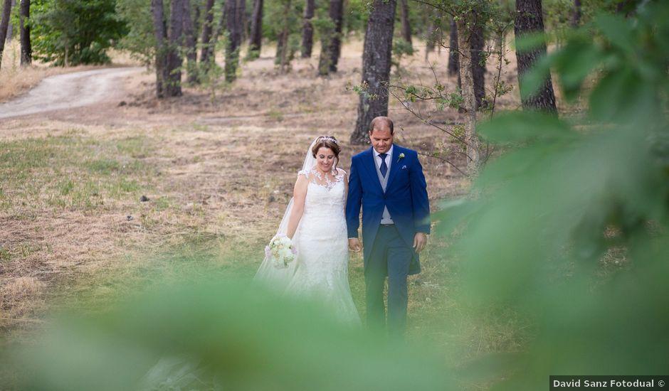 La boda de Oscar y Almudena en Valencia De Alcantara Ff.Cc., Cáceres