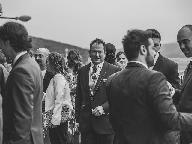 La boda de Berto y Elisa en Mogro, Cantabria 22