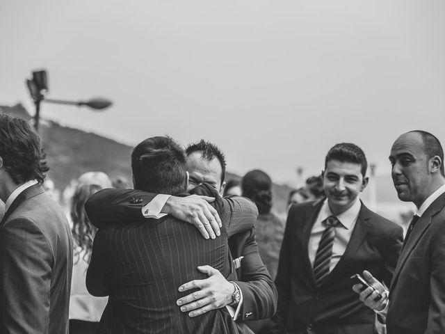 La boda de Berto y Elisa en Mogro, Cantabria 23