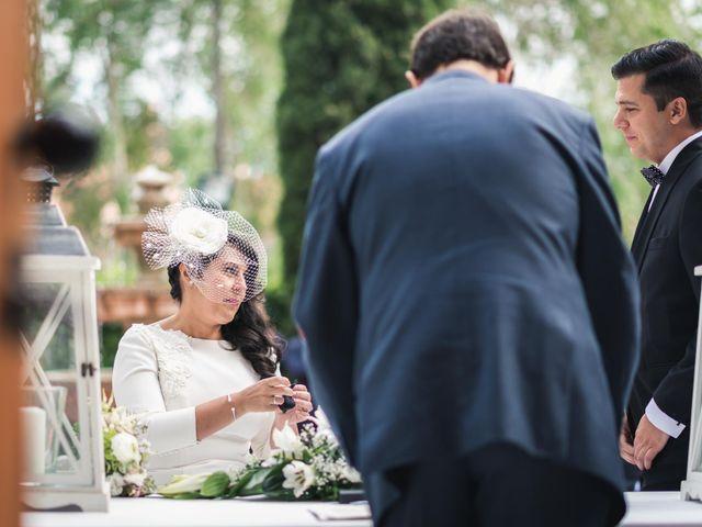 La boda de Angel y Julia en Torrelodones, Madrid 30