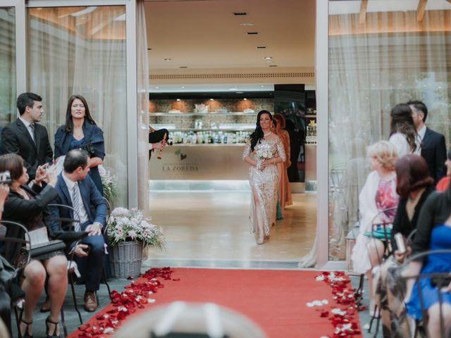 La boda de Angel y Fabiana en Oviedo, Asturias 16
