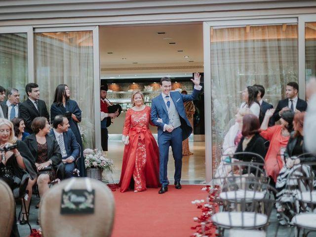 La boda de Angel y Fabiana en Oviedo, Asturias 17