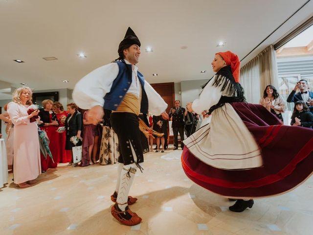 La boda de Angel y Fabiana en Oviedo, Asturias 19