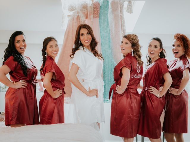 La boda de Angel y Fabiana en Oviedo, Asturias 20