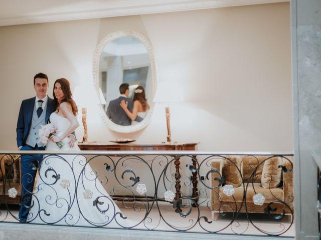 La boda de Angel y Fabiana en Oviedo, Asturias 25