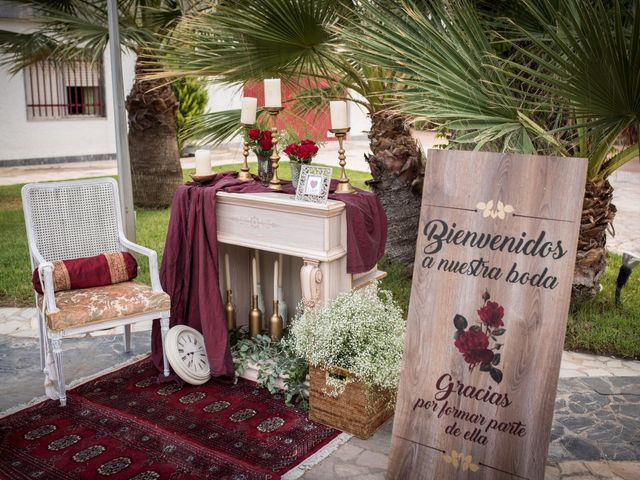La boda de Juanra y Luciene en La/villajoyosa Vila Joiosa, Alicante 71