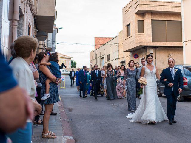 La boda de Pau y Zahida en Villavieja, Castellón 41