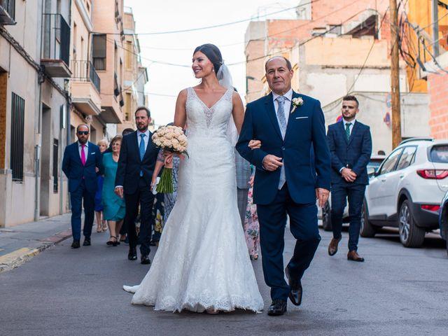 La boda de Pau y Zahida en Villavieja, Castellón 43