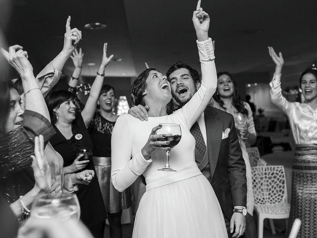 La boda de Adrián y Clara en Santiago De Compostela, A Coruña 2
