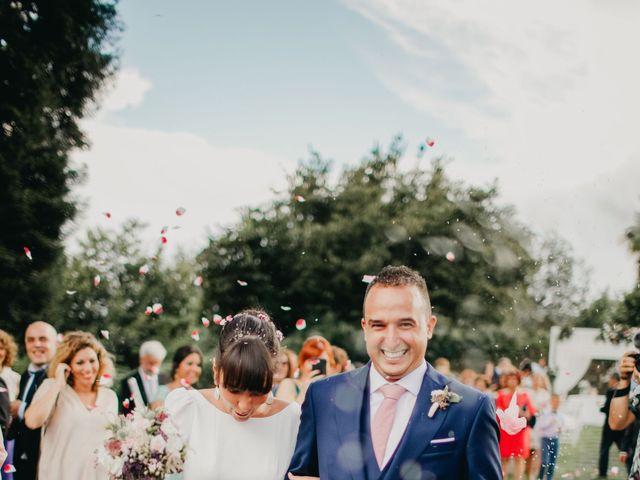 La boda de Héctor y Irene en Oviedo, Asturias 23