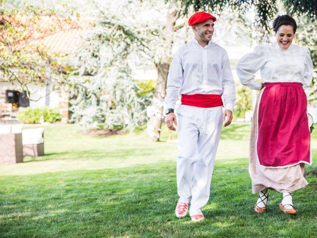 La boda de Txaber y Miren en Berango, Vizcaya 102
