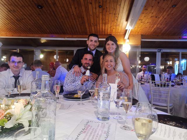 La boda de Joan  y Raquel  en Olot, Girona 8