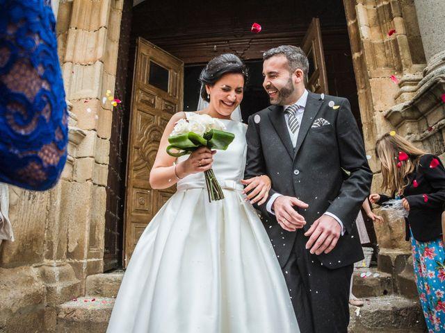 La boda de Jose Manuel y María Dolores en Encinasola, Huelva 56
