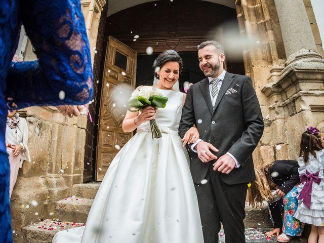 La boda de Jose Manuel y María Dolores en Encinasola, Huelva 57