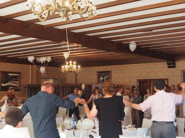 La boda de David y Lia en Padron, A Coruña 20