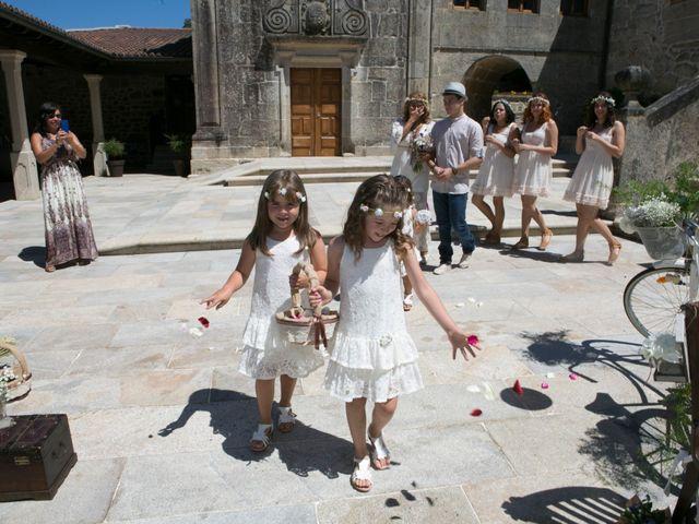 La boda de David y Lia en Padron, A Coruña 32
