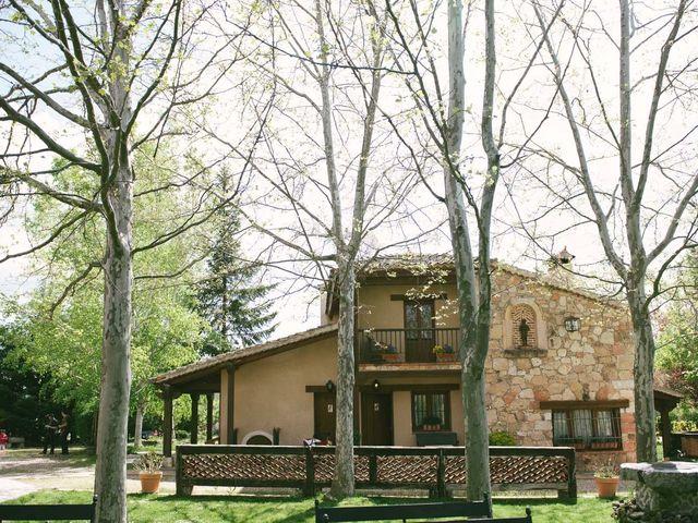 La boda de Luis y Nohemí en Pedraza, Segovia 11