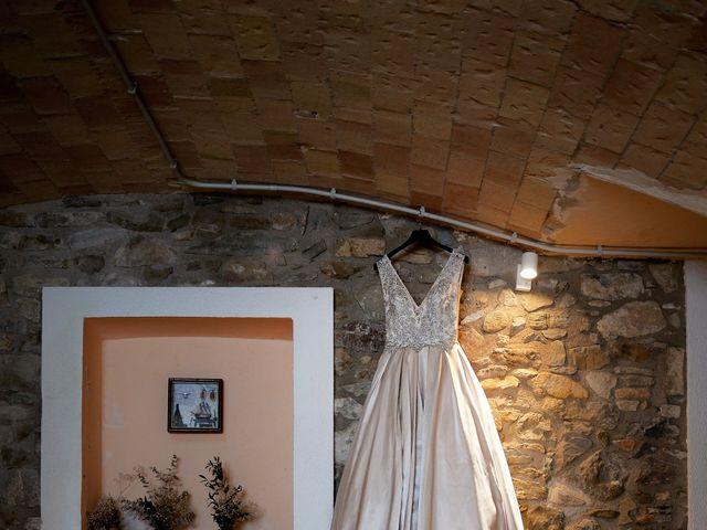 La boda de Miguel y Ahina en Sant Ferriol, Girona 7
