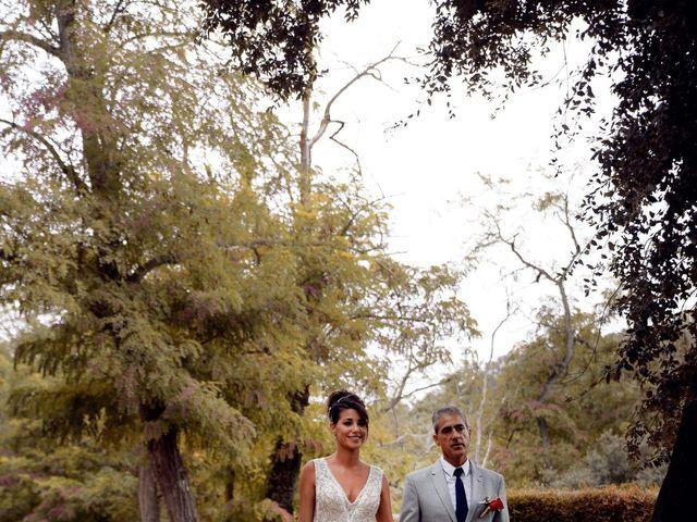 La boda de Miguel y Ahina en Sant Ferriol, Girona 18