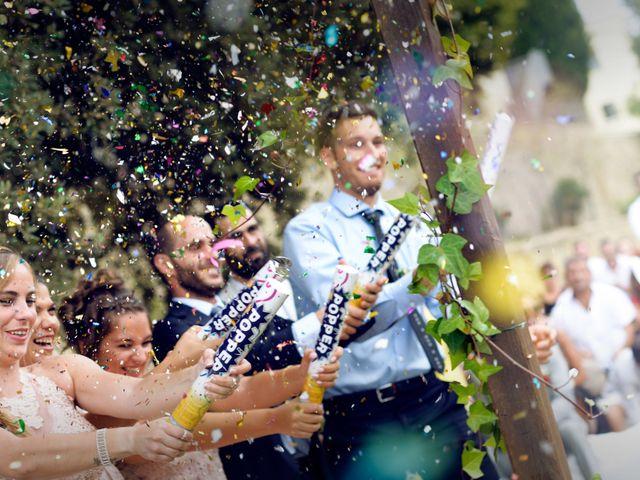 La boda de Miguel y Ahina en Sant Ferriol, Girona 24
