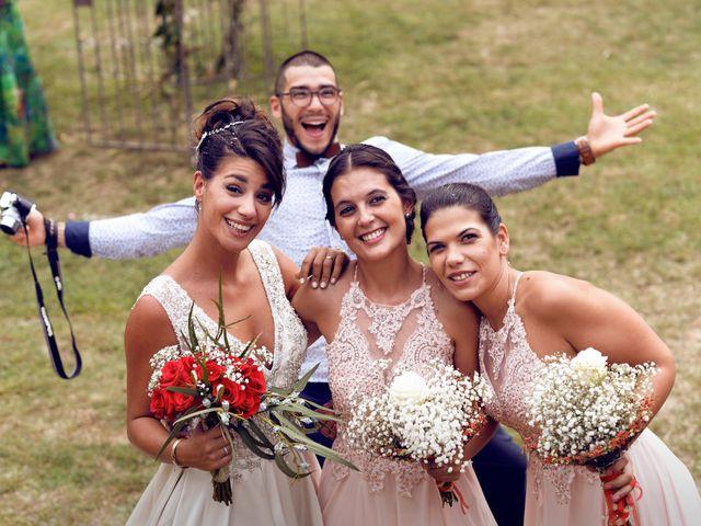 La boda de Miguel y Ahina en Sant Ferriol, Girona 27
