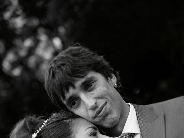 La boda de Miguel y Ahina en Sant Ferriol, Girona 29