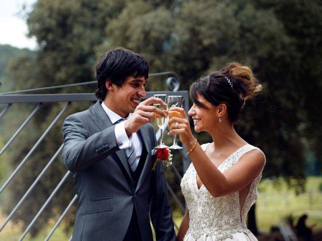 La boda de Miguel y Ahina en Sant Ferriol, Girona 32