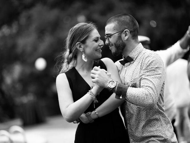 La boda de Miguel y Ahina en Sant Ferriol, Girona 36