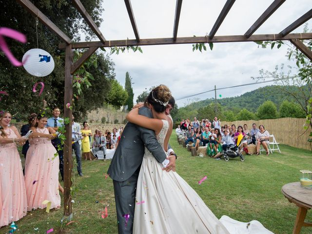 La boda de Miguel y Ahina en Sant Ferriol, Girona 69
