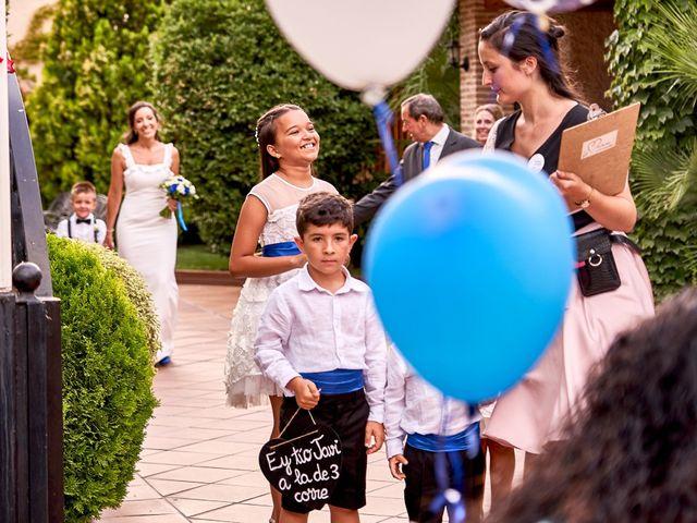La boda de Javier y Arantxa en Madrid, Madrid 17