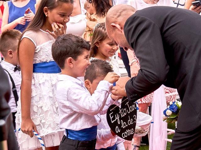 La boda de Javier y Arantxa en Madrid, Madrid 18