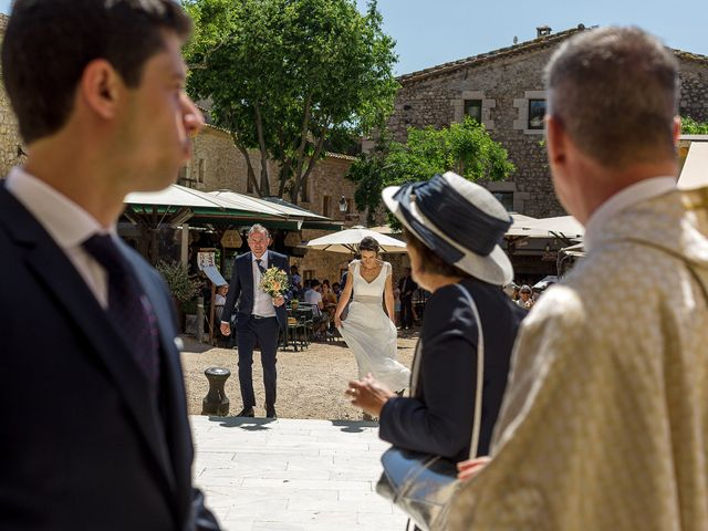 La boda de Mathieu y Camille en Sant Pere Pescador, Girona 8