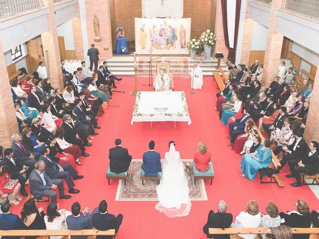 La boda de Antonio y Judit en Oviedo, Asturias 16