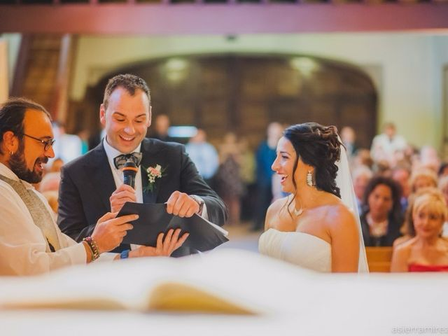La boda de Julen y Naroa  en Hondarribia, Guipúzcoa 24