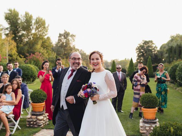 La boda de Julien y Raquel en Torremocha Del Jarama, Madrid 31