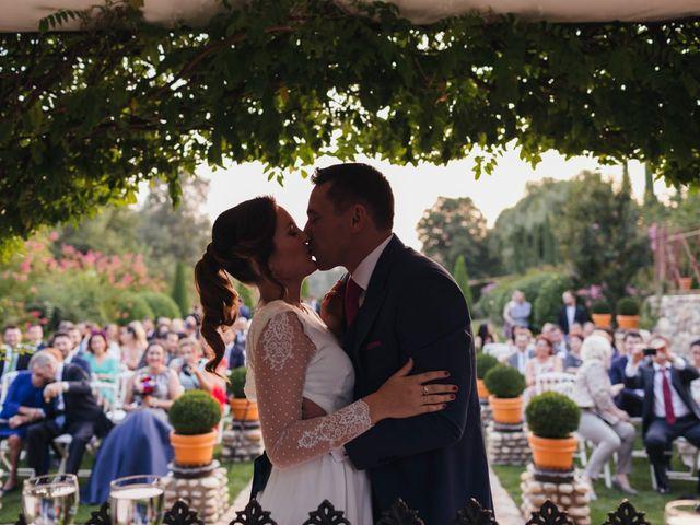 La boda de Julien y Raquel en Torremocha Del Jarama, Madrid 35