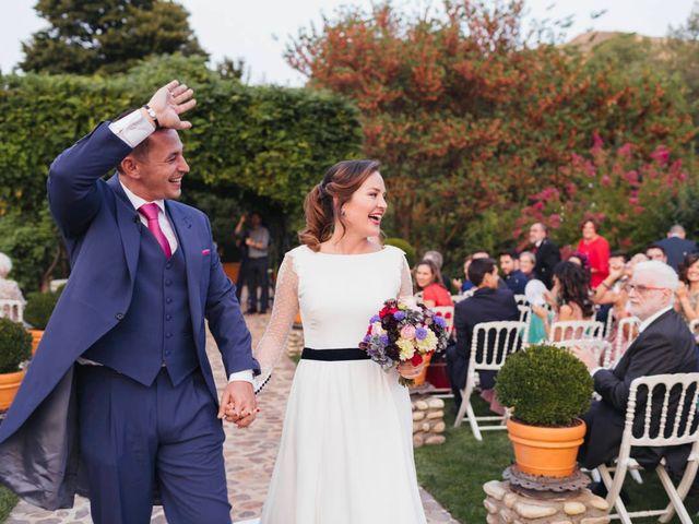 La boda de Julien y Raquel en Torremocha Del Jarama, Madrid 36